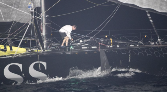 Route du Rhum Alex Thomson runs aground in Guadeloupe.