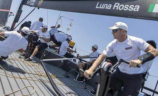 Elbow injury rules Spithill out of Rolex Sydney Hobart Race